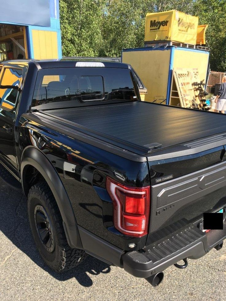 RetraxPRO, Cap World, Tonneau Cover, Retractable Tonneau Cover,  Retrax Tonneau Cover, Truck  Topper