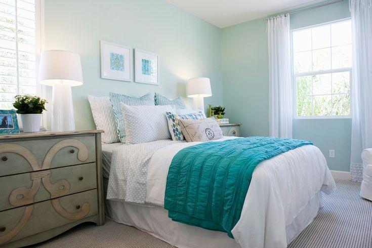 westwing-dormitorio-cama-blanco-verde