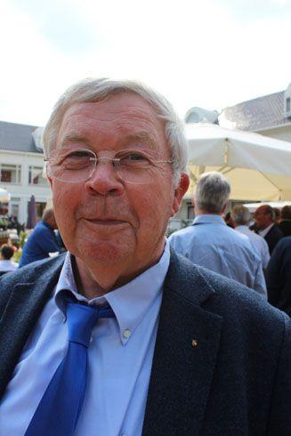 Jan van Strijp werd bedankt voor zijn tomeloze inzet voor de branches en kreeg het eremetaal voor 'lid van verdienste' opgespeld.