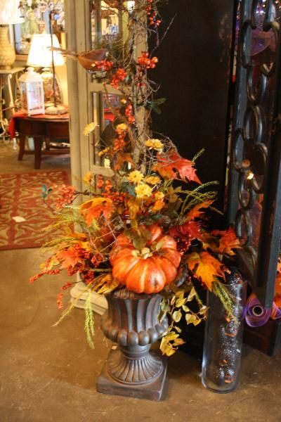The White Hare. Fall decorating and floral arrangement ideas.