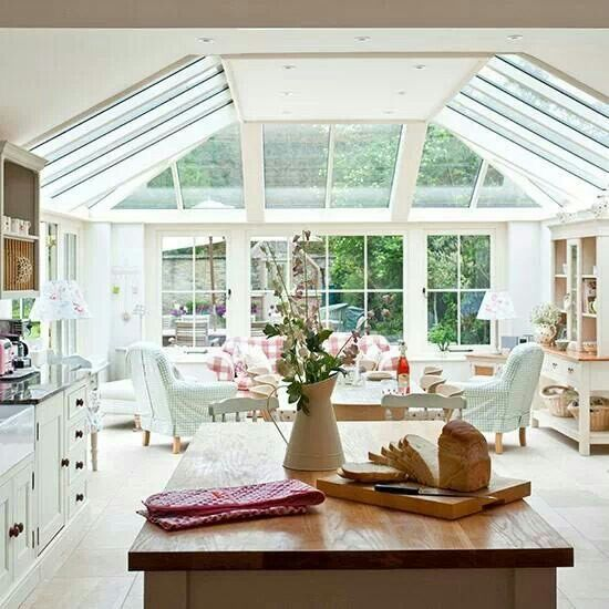 Beautiful open plan kitchen diner