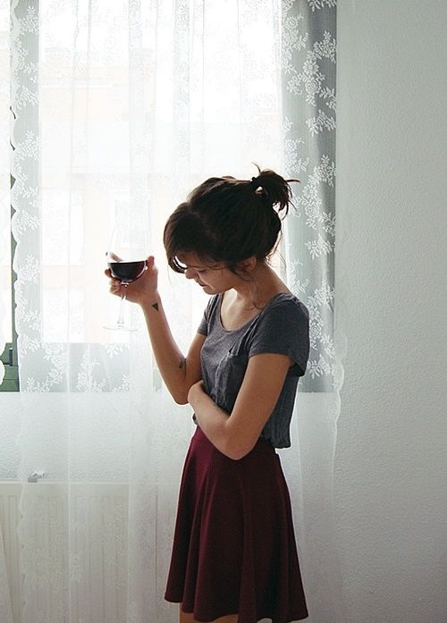 maroon skirt, cropped grey tee