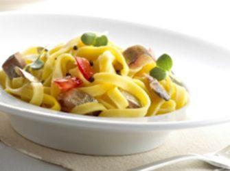 Recepten - Tagliatelli met sprot, auberginekaviaar en pepers