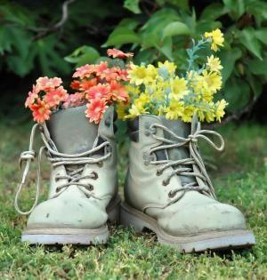 Cómo decorar jardines con reciclaje