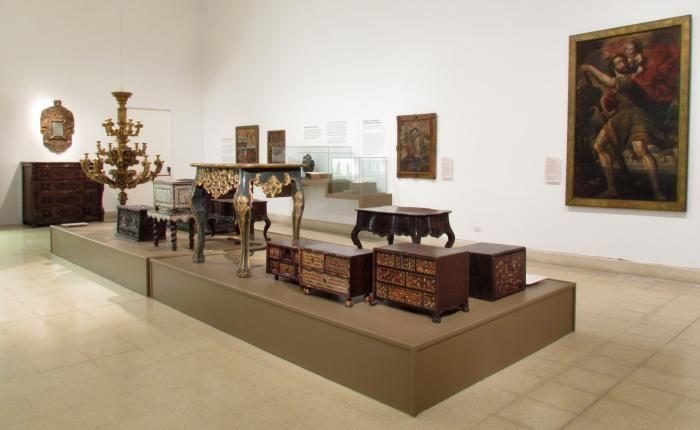 Piezas de mobiliario colonial. #MuseoMarc    Fotografía de Raúl D'Amelio