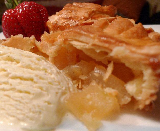 Пирожки с яблоками, корицей и медом