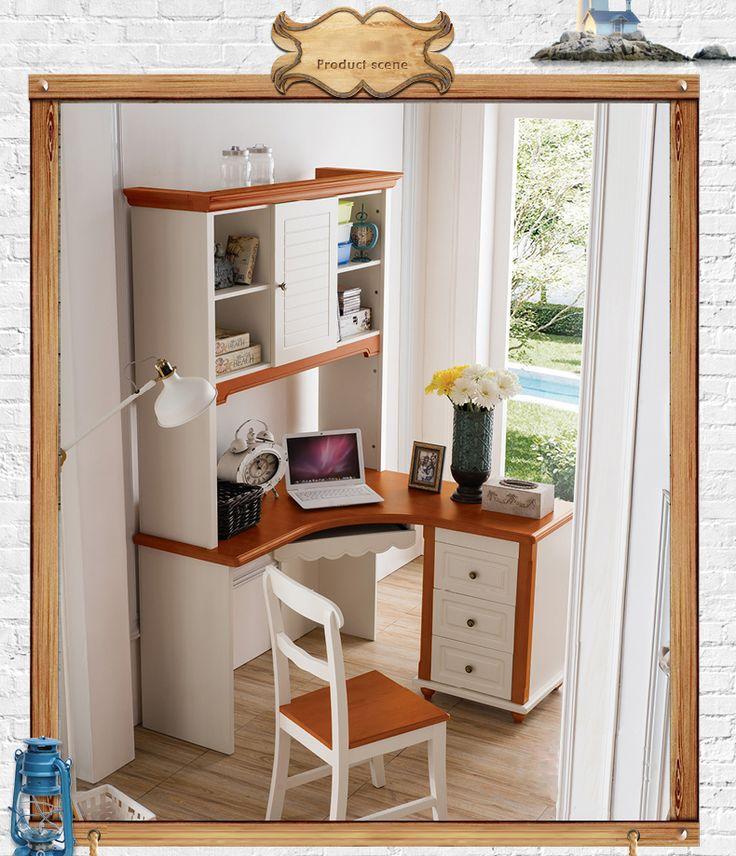 Угловой компьютерный рабочий стол с книжными полками можно купить в интернет-магазине https://lafred.ru/catalog/catalog/detail/43137029424/
