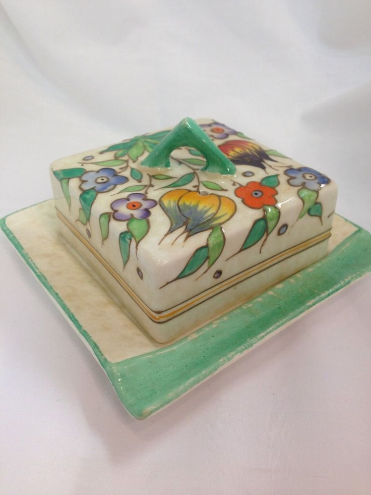 """Charlotte Rhead for H.J.Wood Bursley Ware Butter Dish (c.1945) 