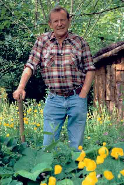 Geoff Hamilton The guy who started it all off with Gardeners World and would like Monty Don get his hands dirty