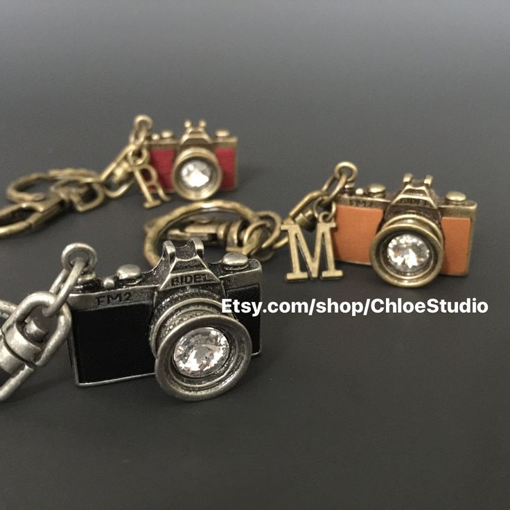 Vintage Camera Keychain,Vintage Camera Keyring,handmade keychain,photographer keychain,photography gift,keychain for man,gift for man by ChloeStudio on Etsy https://www.etsy.com/listing/249921326/vintage-camera-keychainvintage-camera
