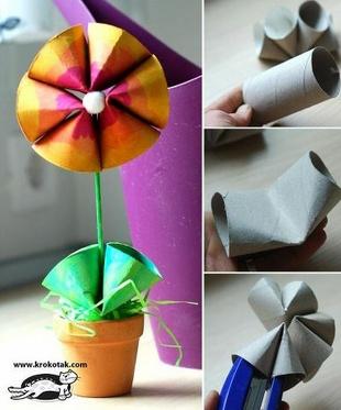 Flor hecha con los cartones de papel higiénico. Linda idea para trabajar en un salón de clase