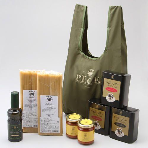 <ペック>のパスタと2種類のパスタソース、オリーブオイル・ドリップコーヒー3種をセレクト。ペックのエコバッグ(グリーン)とともにお届けします。