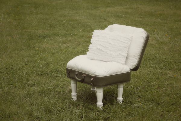 I never thought a suitcase could be so comfy...vintage suitcase chair