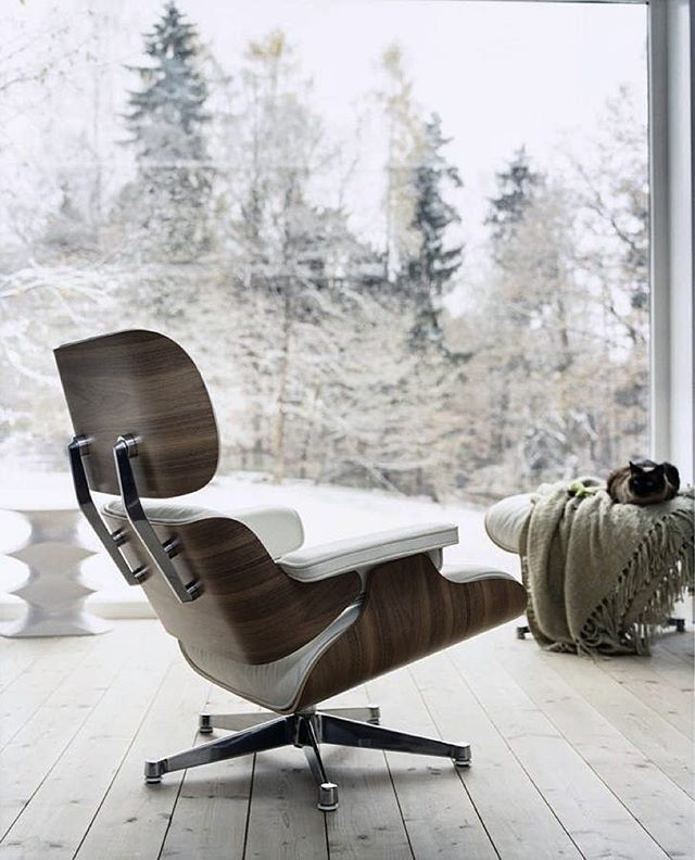 The chair should resemble a soft, well-used baseball glove, inviting the  user to sink back into it'