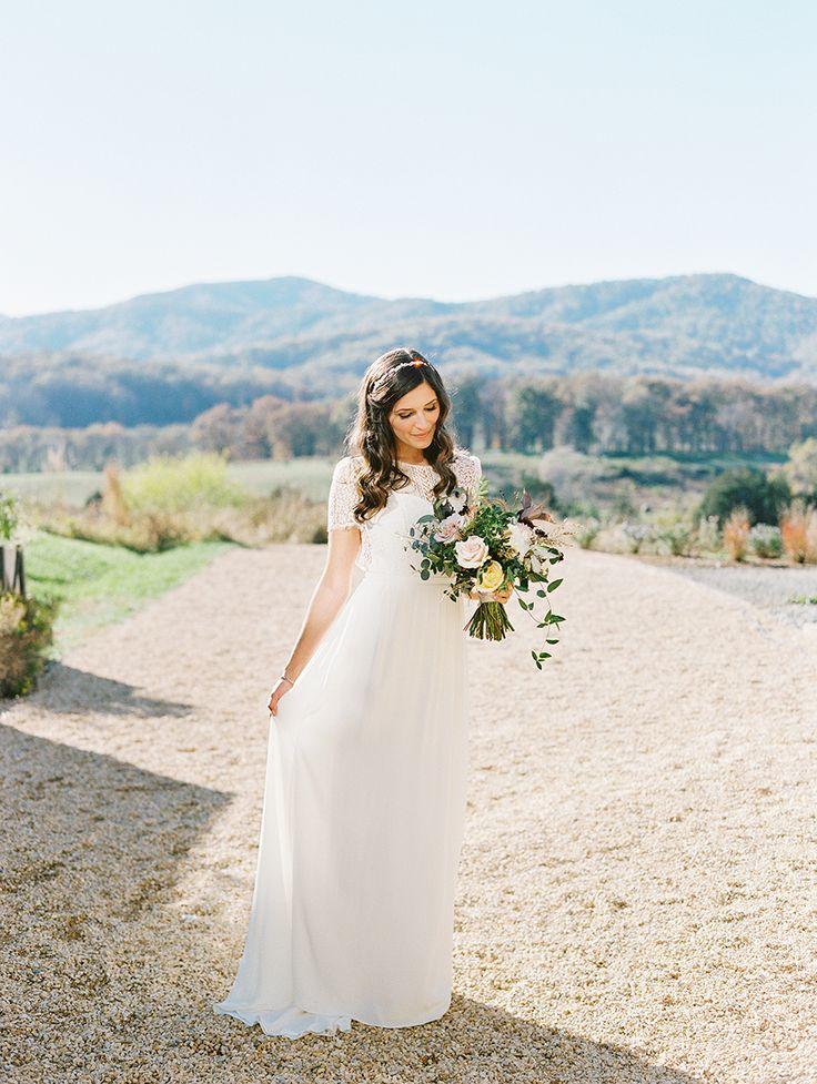 Rustic chic wedding dress: Photography: Katie Stoops - http://www.katiestoops.com/