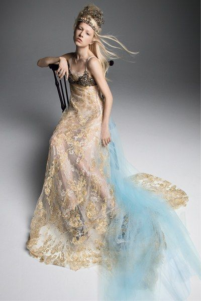 3bc92547c9b Vera Wang Bridal Fall 2019 Fashion Show in 2018