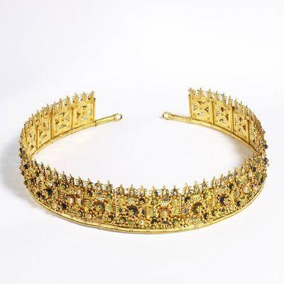 .      Cartier Tiara c. 1905.   Victoria & Albert Museum Collection.