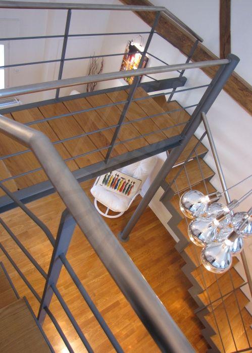 Photo dt83 esca 39 droit escalier d 39 int rieur design en for Type d escalier interieur