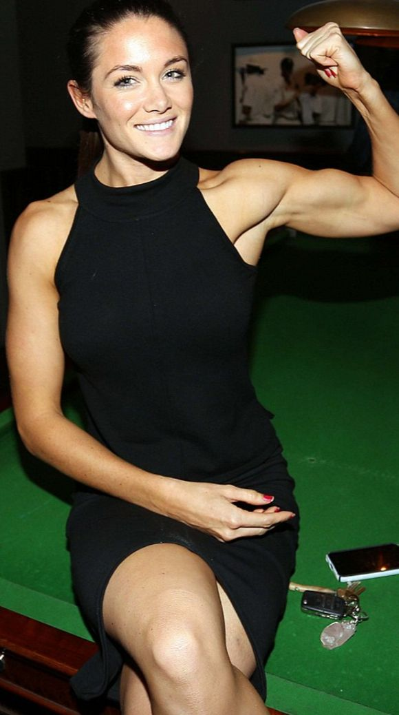 Cannonball Celebrity Biceps Flex - YouTube