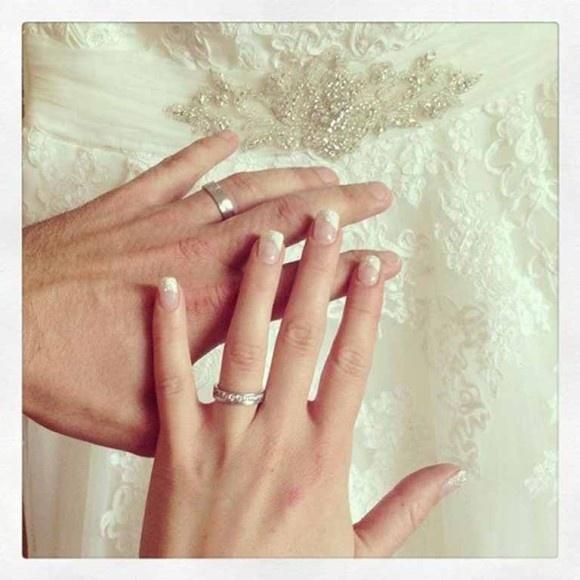 Svadba zo SuperStar? Áno! Moderátorka Zorka Kepková sa vydala. Srdečne blahoželáme! Viac z tejto krásnej svadby uvidíte na http://www.markiza.sk/clanok/aktualne/zorka-kepkova-sa-vydala.html