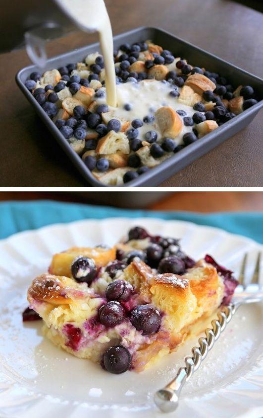 # 14.  Blueberry Croissant Puff (como el pan tostado francés al horno!) - 30 Super Fun Ideas de desayuno merece la pena levantarse