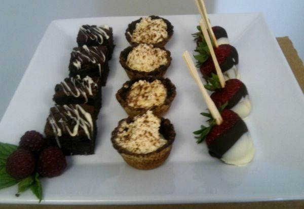 sweet canapes (buffet fork)