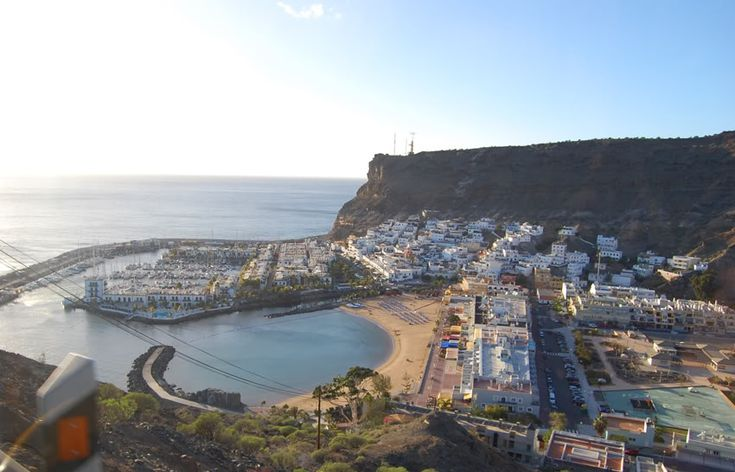 The Beach cove in Playa Amadores-Gran Canaria, España. Beautiful! :D