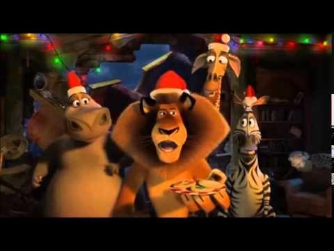 Le Père Noël et ses rennes se crashent sur lîle de Madagascar. Impossible pour eux de repartir :...