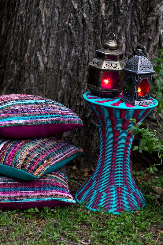 I have lamps like these, but would love the cushions!!!!