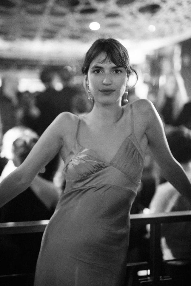 Après la 42ème cérémonie des César, les lauréats et autres amoureux du septième art ont pu continuer la soirée au Queen, club parisien des Champs-Elysées. Organisée par Albane Cleret, l'after party a continué jusqu'au bout de la nuit. Revue en images de la soirée par Virgile Guinard.