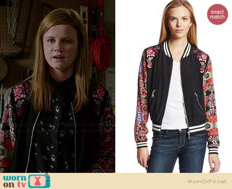 Norrie's floral bomber jacket on Under the Dome.  Outfit Details: http://wornontv.net/36709/ #UndertheDome