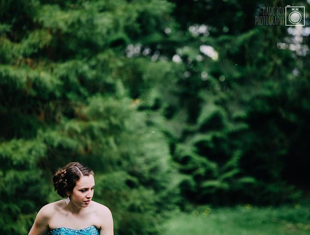Magic Box Photography | Summer's Fairytale Prom // http://bit.ly/1MDRYn6