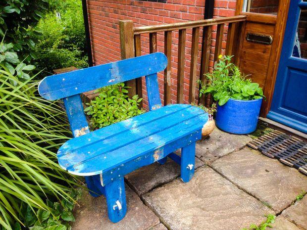 Pallet Garden Bench by gruxton