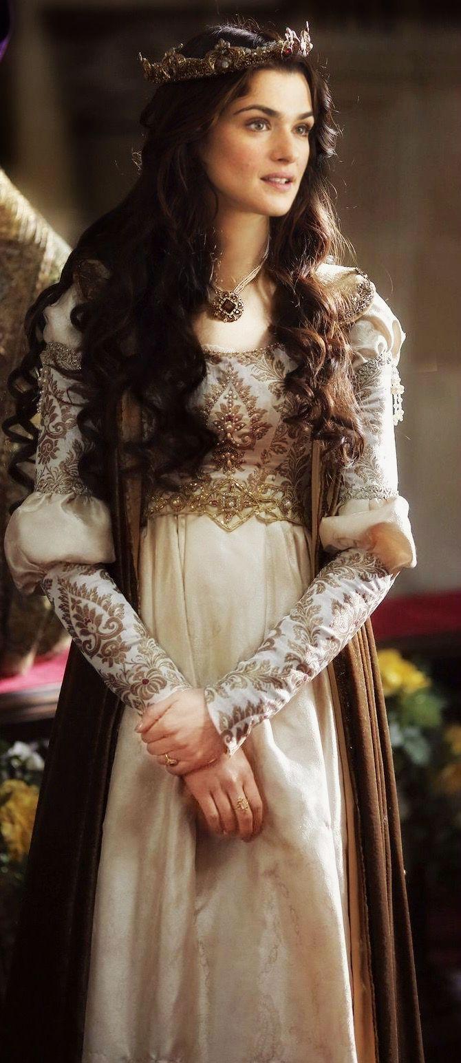Queen Lothiriel | Fantasy dress princesses, Medieval dress ...