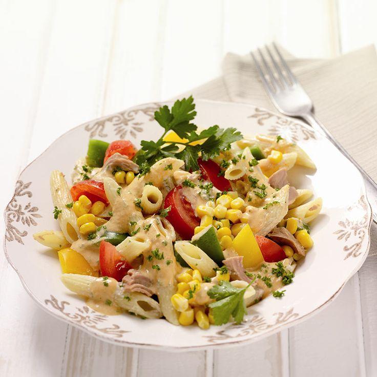Een pastasalade is altijd goed. Deze variant met tonijn, paprika en mais is lekker fris en vult goed! #WWrecepten #SnelKlaar