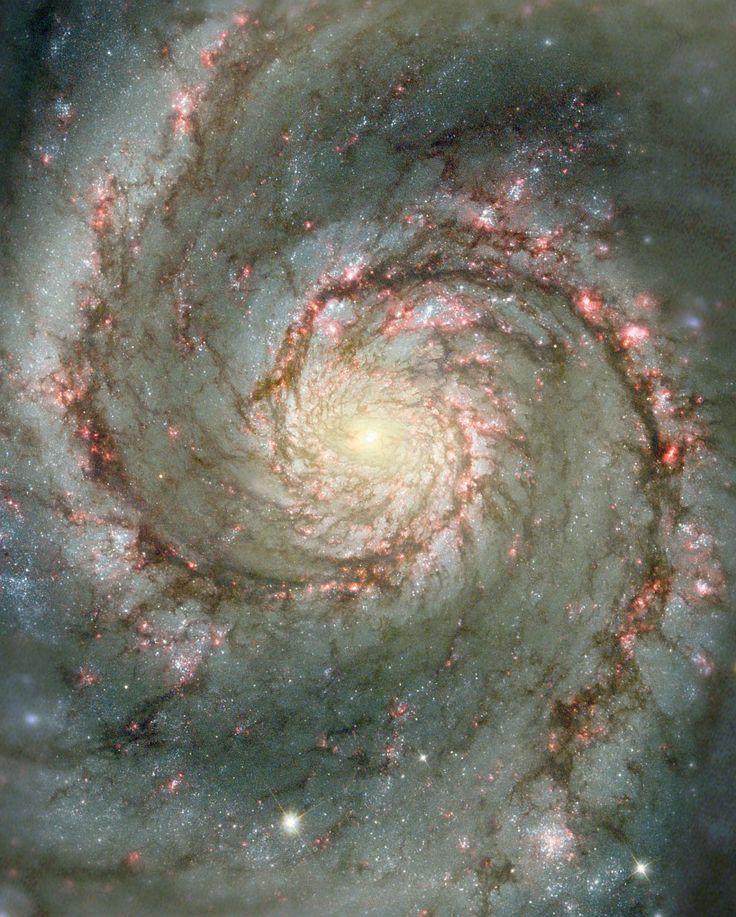 Галактика Водоворот.   Эта галактика находится в созвездии Гончие Псы, на расстоянии 23 млн световых лет от Земли. Она состоит из большой спиральной галактики NGC 5194, на конце одного из рукавов которой находится галактика-компаньон NGC 5195. Галактика была обнаружена Шарлем Мессье 13 октября 1773 года. (Фото N. Scoville (Caltech), T. Rector (U. Alaska, NOAO) et al., Hubble Heritage Team, NASA)