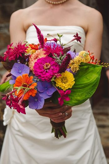 Love this colorful bridal bouquet via http://mountainsidebride.com