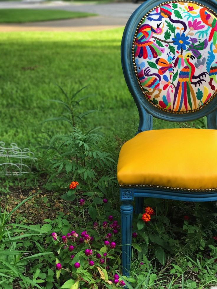 Otomi Chairs Brighten Up a Family's New Home