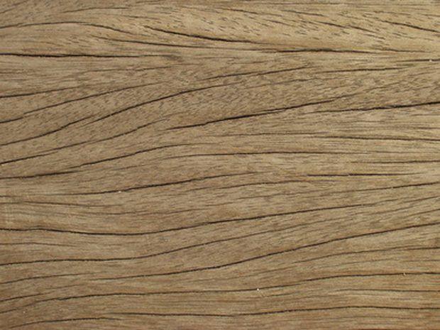 Como pintar ou envernizar portas de aço criando o efeito grão de madeira