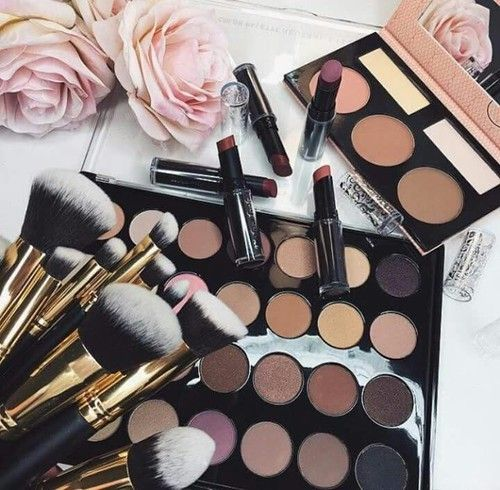 Claim Your Free Mieoko Makeup Brush + FREE Quick How To Care For Your Brush Video Absolutely FREE! http://kimandkanye.club/goto/free-makeup-brush/