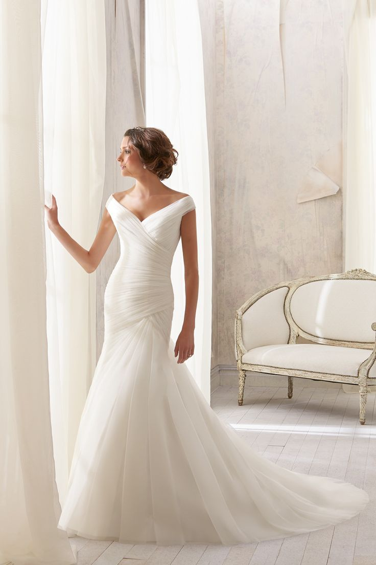 best wedding dresses images on pinterest bridal gowns