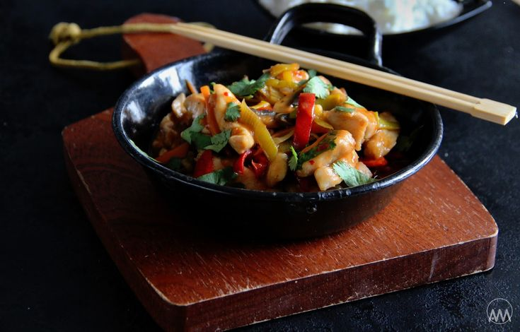 V kuchyni vždy otevřeno ...: Rychlé kuřecí nudličky se zeleninou ve sladkokysel...