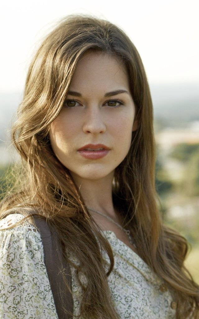 Oh how I wish Rachel Hendrix would have been cast as Bella in Twilight.  The movies MIGHT have been worth watching.