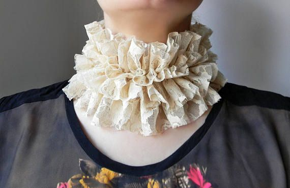 Renaissance beige lace collar Neck ruff Renaissance costume