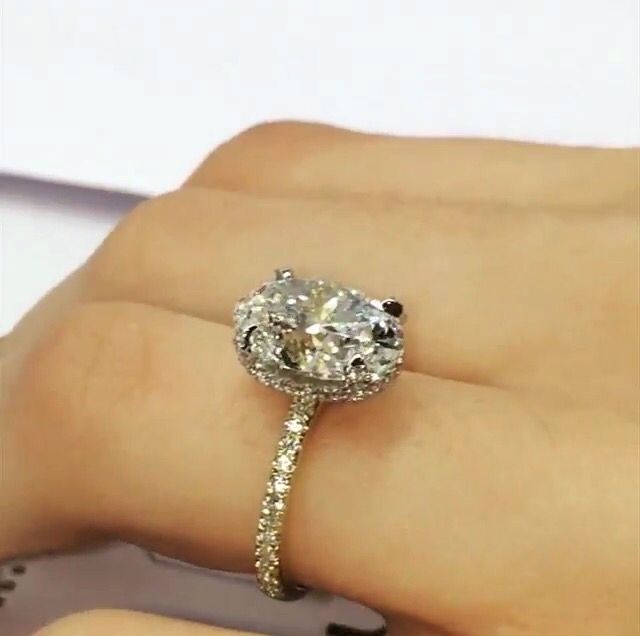 Lauren B Jewellery engagement rings. Shown here is a stunning oval cut with pavè band