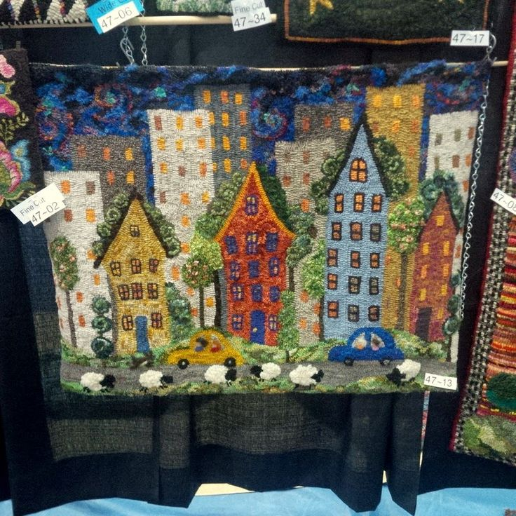 Butterfly Crafts, The Friendship, Rug Ideas, Punch Needle, Felt Projects, Rug  Hooking, Wool Rugs, Roosters, Patchwork
