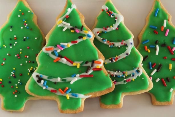 Sugar Cookie Icing--This recipe is quick, easy, dries hard and shiny, and tastes good, too.