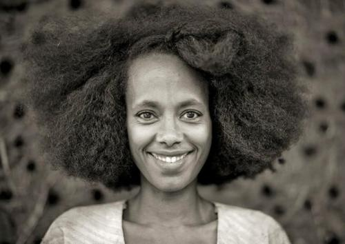 Woman Smile, Hair Style, Big Hair, Kaffa Woman, Nature Hair, The Roots, Hairstyles Women, Black Girls, Shorts Hairstyles