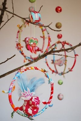 This would add to a fun tree-themed room for my girls and supposedly it's easy enough for kids to help make!