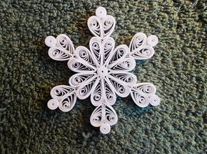 Mini Quilled Snowflake Queen of Hearts Ornament